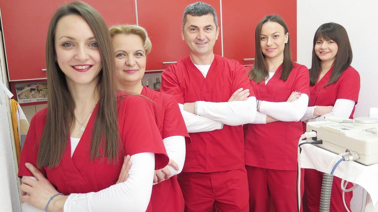 Stručni tim ZU Stomatologija Tica