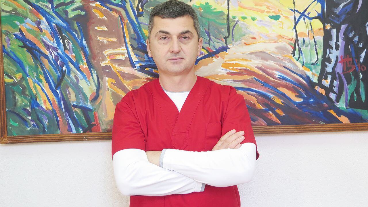 Dr Mladen Tica